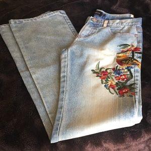 💕 HOST PICK💕💕Embroidery blue jeans